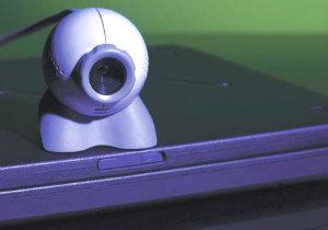 ESET ostrzega: Uwaga na sieciowych podglądaczy!