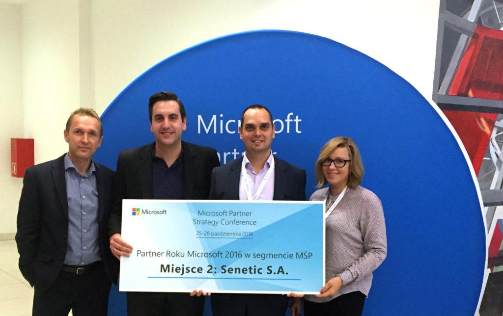 Zespół Senetic z przedstawicielem firmy Microsoft. Od lewej: Tomasz Dorf, dyrektor segmentu MŚP w firmie Microsoft, Konrad Nieboj, nasz Microsoft Cloud Team Leader, Marcin Białożyt, CEO Senetic i Julita Płaksa, nasz Software Business Unit Manager/ Źródło: Senetic