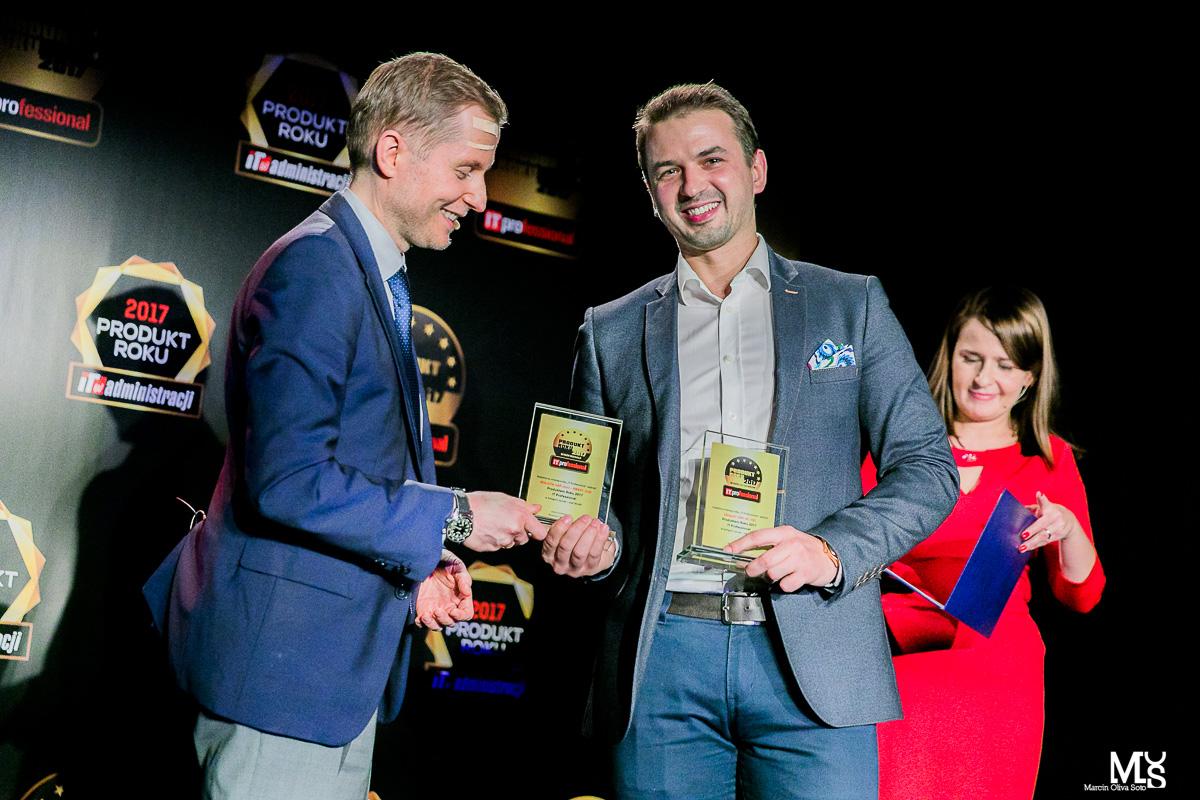 Łukasz Bojar, wiceprezes Senetic, podczas wręczenia nagród dla Ubiquiti i MikroTik/ fot. Marcin Oliva Soto