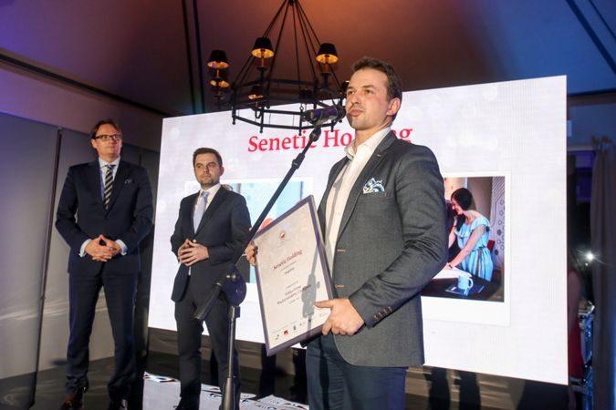 Nasz wiceprezes Łukasz Bojar podczas odbierania wyróżnienia w konkursie Polska Firma - Międzynarodowy Czempion.